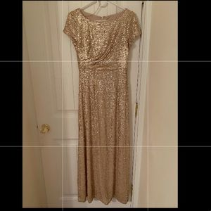 Adrianna Papell Gold Sequin Dress No alterations